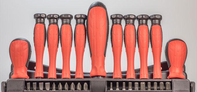 Werkzeug zur Unterbringung in einem Werkzeugkoffer